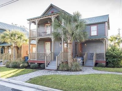 Downtown Brunswick Oasis with New Orleans Charm