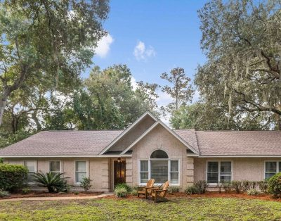 Pet friendly mid island 3/2 home with garage